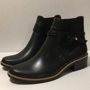 Bernardo-Women's Black Peony Rain Boots size 8/9